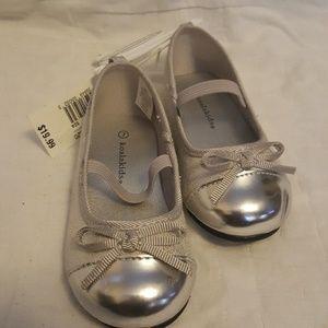 Koala Kids Shoes - Silver shoes in Sz 7